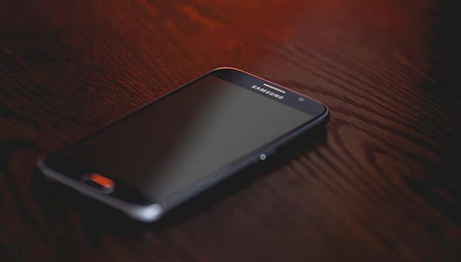 samsung smartphones update
